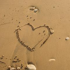 Coeur de sable (2.6 m views ! https://society6.com) Tags: 31octobre2017 italie italy naturalreserveoffocedellirminio sicile sicily cailloux coeur grainsdesable heart octobre2017 photo sand trace trait natural reserve foce dellirminio