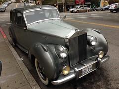 #Cars parked on #theStreet (Σταύρος) Tags: rollsroyce parked onthestreet car cars expensive posh sanfrancisco city rolls51 51rolls sf sfist thecity санфранциско sãofrancisco saofrancisco サンフランシスコ 샌프란시스코 聖弗朗西斯科 سانفرانسيسكو