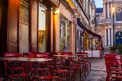 Place Saint-Louis (Chrisar) Tags: angénieux3570 caférestaurant nikond7100 trépied
