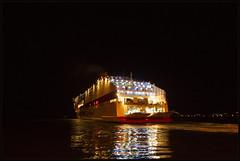 He he onze boot (maartenappel) Tags: kleuren canon
