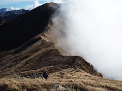 PB270189 sul crinale fra nebbia e sole (La Patti) Tags: appennino mountains marmagna autumn trekking clouds outdoor