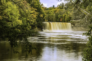 Upper Tahquamenon Falls at ground level