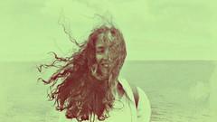 (Sa Shula de Tarifa) Tags: fela gijón asturias españa spain verano summer ella her mujer woman chica girl muchacha amistad amor friendship love pelo hair viento wind mar sea libertad freedom elle she retrato portrait