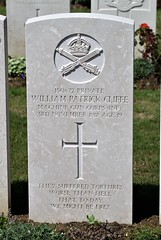 W.P. Cliffe, Machine Gun Corps, 1918, War Grave, Trelincthun (PaulHP) Tags: cwgc world war graves headstones france terlincthun british cemetery wimille private william patrick wp cliffe service number 150672 3rd november 1918 103rd bn battalion mgc machine gun corps infantry charles james edith mary new malden surrey military one ww1 grave headstone