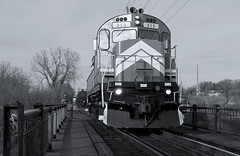 MNNR 313- Working Over Como Ave (Khang Lu) Tags: alco c424 mnnr railroad minnesota commercial mn locomotive 313 hennepin job minneapolis como ave