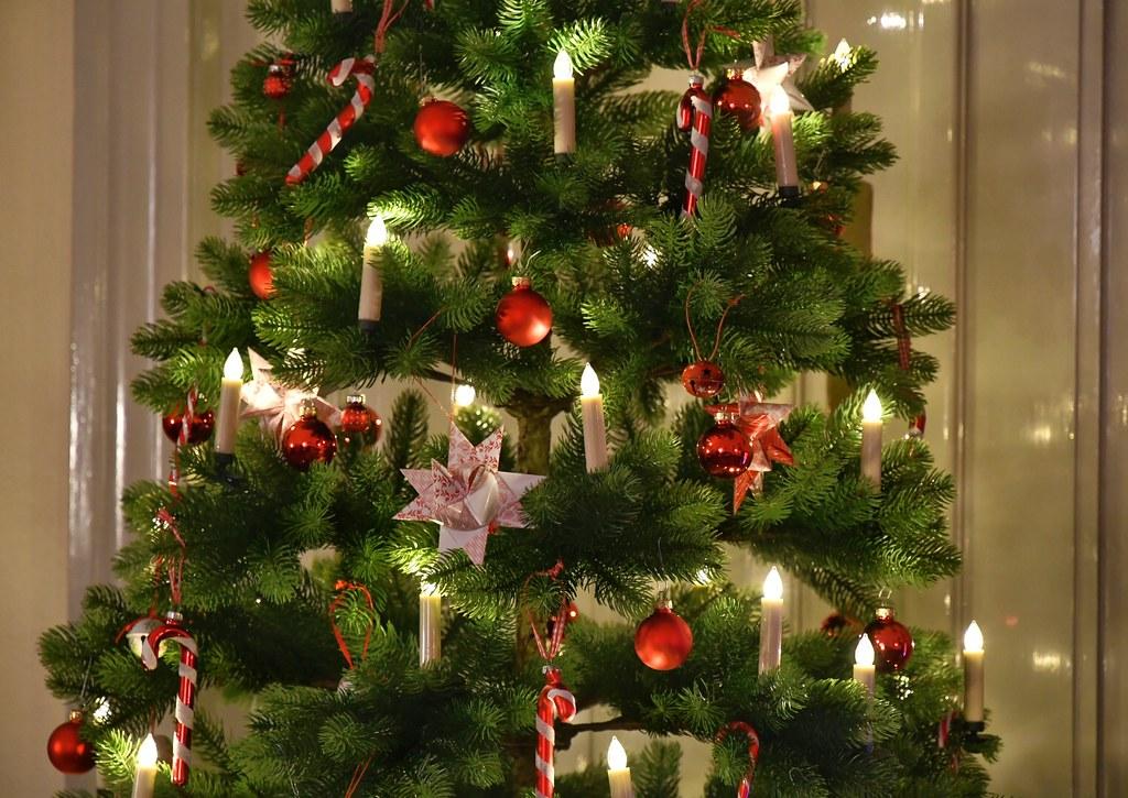 Weihnachtsbaum Explodiert.The World S Best Photos Of Weihnachtsbaum And Weihnachtskugel