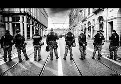 Corteo Lavoratori Embraco gruppo Whirlpool (_Peter_P@n_) Tags: manifestazione polizia stato italia torino corteo crisi embraco whirlpool blackwhite fujifilm samyang 12mm xpro1 l