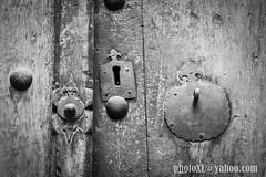 pany (_perSona_) Tags: iran persia door lock pany cerradura wood madera fusta claus clavos nails