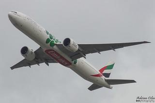 Emirates --- Boeing 777-300ER --- A6-EPU
