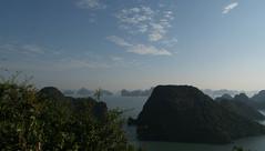 Halongbucht 2 (krieger_horst) Tags: halongbucht vietnam südostasien inseln meer