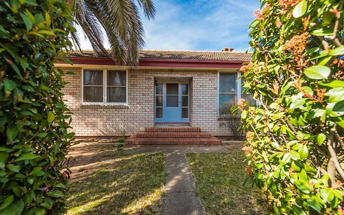 38 Mcmillan Cr, Narrabundah ACT 2604