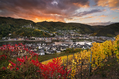Sunset at Cochem (Alexander Lauterbach Photography) Tags: cochem sunset mosel moselle sonnenuntergang reichsburg burg castle river germany pfalz deutschland autumn herbst sony landschaft stadt a7r