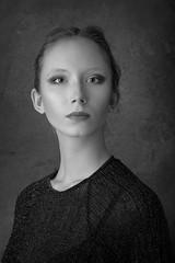 Sarah Mikuz (CONSALVO de COSTA) Tags: strobist portrait flash profoto fuji fujinon fuji90mm xt1 mirrorless female fashion design bw blackwhite bn prime primelens silverfx aperture