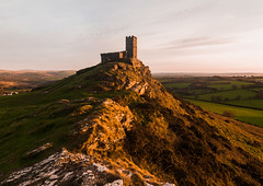 Brentor gold (Myles Pinkney Photography) Tags: dartmoor devon church goldenhour sunset gold tor landscapephotography brentorchurch rocks light sunlight nikond5300 tokina1116