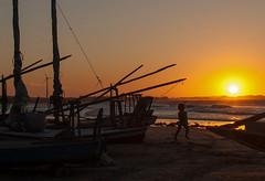 "Pôr do Sol (felipe sahd) Tags: sunset pôrdosol beach praia flecheiras ceará brasil litoralnordestino oceanoatlântico criança jangadas ""flickrtravelaward"""