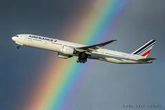 Air France 777 - CDG (Karl-Eric Lenne) Tags: rainbow boeing 777 airbus airfrance paris