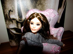 Sweaterella (Nickolas Hananniah) Tags: barbie barbiedoll doll barbiethelook2017 sweaterdress fashiondoll colletordoll barbiecollector barbiesignature brunette winter toy