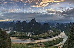 *Li River Bend from Xianggong Hill* (albert.wirtz) Tags: xingpingtown liriver xianggonghill river xianggongmountain mountain china yangshuocounty guilin goldenhour albertwirtz landscape reflections spiegelung sunrise sonnenaufgang panorama panoramic guangxi clouds wolken travelling reisen hiking wandern touristdestination hebaomountain hebaovillage jinshouyandi water morninglight earlymorning nikon d810 landscapephotography landschaftsfotografie
