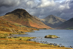 Wast Water (Tracey Whitefoot) Tags: gable water wasdale yewbarrow kirk fell landscape autumn fall dramatic afternoon drama clouds great lingmell tracey whitefoot lake lakes district wast