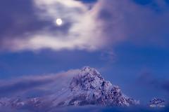 Levé de lune sur la Dent d'Oche (MarKus Fotos) Tags: alpes alps bernex brume brouillard chablais canon clouds cloud ciel evian f4 gavot hautesavoie hiver landscape oche auvergnerhonealpes paysage