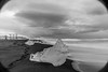 Islanda-30 (msmfrr) Tags: panorama landscape vento wind jökulsárlón ghiaccio ghiacciaio glacier lagoon ice sea spiaggia beach islanda iceland alba sunrise montagna cielo acqua paesaggio mare roccia neve baia iceberg water clouds nuvole