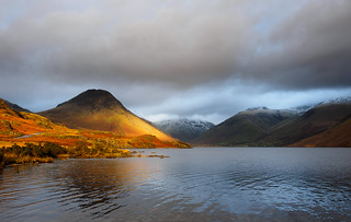 Yewbarrow splash of light