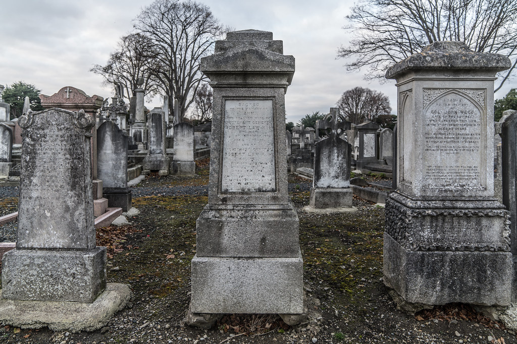 MOUNT JEROME CEMETERY IS AN INTERESTING PLACE TO VISIT [IT CLOSES AT 4PM]-134296