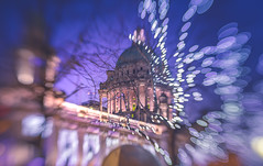 Decoration lights bokeh (Dhina A) Tags: sony a7rii ilce7rm2 a7r2 lensbaby composer pro sweet 50 optic 50mm lensbabycomposerpro f25 bokeh art lens 2elements 1group manual focus emount creative photography blur street lighting xmas christmas decorations cityhall belfast