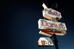 The Jelly Donut (avilon_music) Tags: thejellydonut donuts doughnuts donutshop vintageneonsigns ghostedneonsigns neonsigns arrowsigns yuccavalley hwy62 markpeacockphotography 7d desert mojavedesert california donut shop signs signage coffee