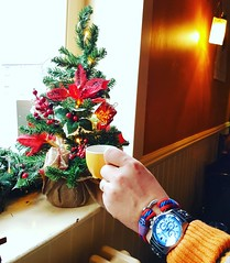 Start your day with a great coffee and the Christmas spirit in your heart❤🎄    #collaboration #jewellery #handmade  #ropebracelet #shopping #fashionable #fashion #women #girls #style #swag #photooftheday #love #giftideas #winter #naut (Bran Marion) Tags: collaboration couplegoals gifts jewellery style instafashion viral dressselfie ropebracelet ringstack shopping nice girls christmas photooftheday giftideas gorgeous pulsera handmade likeforlike fashion fashionable instagood love womensfashion nauticalbracelet swag self women winter