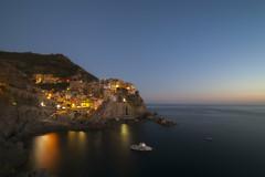 Nocturnal (W.I.L.D.) Tags: approvato sundaylights manarola liguria italy sea landscape cinqueterre water cliff bay mountain