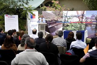 Firma del convenio que llevara agua a productores de Marchigüe