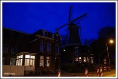 El molino escondido (mariadoloresacero) Tags: acero mdacero heure bleue hour blue hora azul ilca68 sony city ville ciudad moulin molino holland hollande bas pays bajos países gouda guda