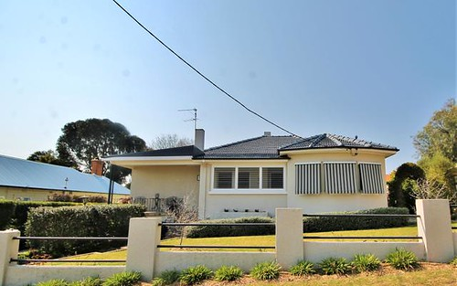 54 Caple St, Young NSW 2594