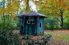 Old Garden Home (JaapCom) Tags: jaapcom gardenhome garden home husje trees natuur natural wezep nikon d5100 autumn tuinhuisje herfst herbst cameranu
