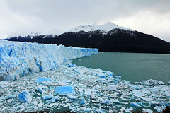 Perito Moreno - Argentina (Daniel Nebreda Lucea) Tags: ice hielo glaciar argentina nature naturaleza landscape paisaje white blanco blue azul color lake lago mountain montaña cold frio helado big grande old viejo antiguo sea mar water agua rocks rocas iceberg wonderful maravilloso perito moreno travel viajar calafate texture textura snow nieve sky cielo canon 60d 1018mm adventure aventura light luz weather tiempo clima