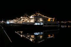 P1410472 (Lumixfan68) Tags: nachtaufnahmen kiel kieler hafen sfk schlepp und fährgesellschaft schiffe fördedampfer hörn