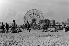 Coney Island (slightheadache) Tags: 2017 analog bw blackandwhite coney coneyisland diy film summer tmax monchrome