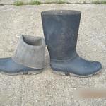 95 -- Dunlop hevea Ripped Wellies -- Bottes Hevea Dunlop trouées --  Gummistiefel Undicht -- Gescheurde laarzen thumbnail