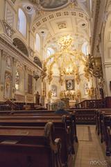 Basilique-Cathédrale Notre-Dame de Québec (PicAxis) Tags: quebec canada église church prior prière women femme inside intérieur