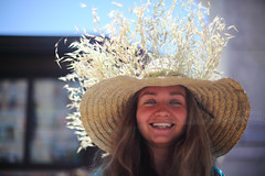 Anna?? (Elios.k) Tags: horizontal outdoors people oneperson girl smile smiling blonde happy happiness streetmusician busking busker lecce piazzasantoronzo music colorful russian hippy hat wreath portrait dof depthoffield focusinforeground backgroundblur bokeh color colour travel travelling april 2017 spring vacation canon 5dmkii photography puglia apulia salento italy europe