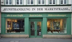 Kunst ist Leben (gerhardschorsch) Tags: ilce7r sony a7r available fe55mm fe55mmf18za 55mm zeiss za street strasenfotografie streetshot urban kunst künstlerhaus