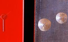 E Front, F Back (AvesAg) Tags: macromondays memberschoicemusicalinstruments memberschoice musicalinstruments musikinstrument xylophone metallophone diatonic metal metall