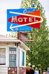 Crest Motel (Thomas Hawk) Tags: america crestmotel grantspass oregon southernoregon usa unitedstates unitedstatesofamerica motel neon fav10