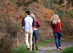 Autumn lovers (Millie Cruz) Tags: people young fall autumn colors leaves foliage trees trail grass outdoors unioncanaltunnelpark lebanonpa tamron18400 candid friends friendship park canal