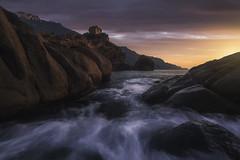 Tour de Porto (C☺rsica) (Mathulak) Tags: porto tour génoise sunset coucherdesoleil corse corsica seascape nikon piana calanques