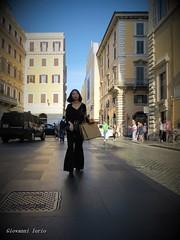 Shopping (ioriogiovanni10) Tags: goodnight girl femme fille ragazza spqr passeggiata rome tourist turista capitale roma città city centro canon