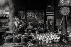 *Old Teahouse Scenes* (albert.wirtz) Tags: persons china chengdu oldteahouse pengzhen pengzhentown sichuanprovince sichuan oldteahousescenes teahouse blackwhite schwarzweiss sw lebeninchina chinalife tea tee teekessel feuerstelle ofen dampf dust hotwater heisseswasser nikon d810 teahouseculture teapot originalflavor teaculture ancientpengzhentownteahouse bamboochairs 双流彭镇老茶馆 bestshotoftheday artofimages extraordinarilyimpressive black white