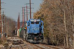 PN GE C39-8 #8212 @ Hatfield, PA (Darryl Rule's Photography) Tags: 2017 bergeyrd bethlehembranch c398 centralave conrail crossing diesel diesels etownshiprd fall freight freightcar freighttrain freighttrains ge gradecrossing hatfield l160 local mainst mixedfreight montgomerycounty november orvillard pa pn pnrr pennsylvania pennsylvanianortheastern railroad railroads readinglines readingrailroad relianceave repaint shifting shortline signal signals souderton southbound sun sunny telford tiger townshiprd train trains vinest