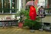 Shop display at Hackesche Hoefe, Berlin (SomePhotosTakenByMe) Tags: stuhl chair fashion mode shop store geschäft laden hackeschehöfe hackeschehoefe urlaub berlin vacation holiday deutschland germany stadt city downtown innenstadt outdoor spandauervorstadt mitte regenschirm umbrella regenmantel raincoat